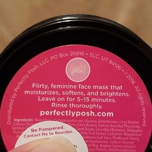 Perfectly Posh Other - Perfectly Posh Tickled Pink Face Mask